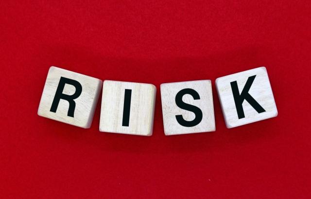 サラリーマン 副業としてのネットビジネス リスク分散化のススメ【実例あり】